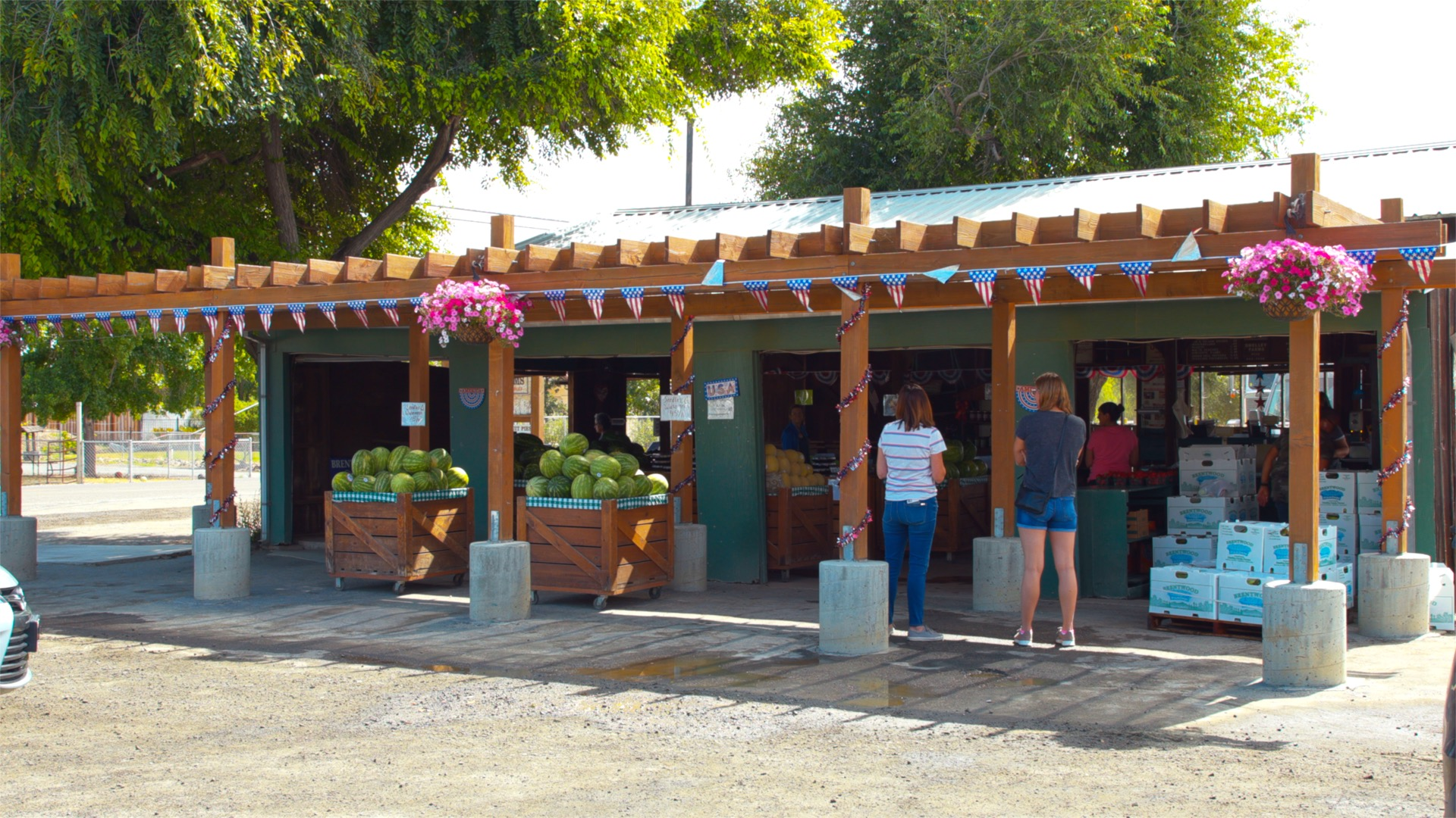 Dwelley Family Farms Farm Stand